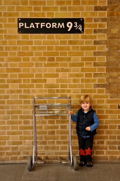 Harry Potter Kings Cross Platform 9 and 3/4