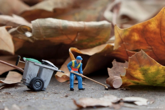 Slinkachu Dead Leaves