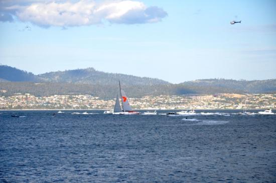 Wild Oats wins Sydney Hobart Boat Race