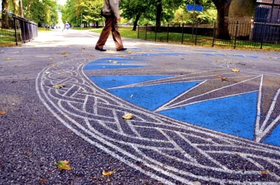 Compass street art